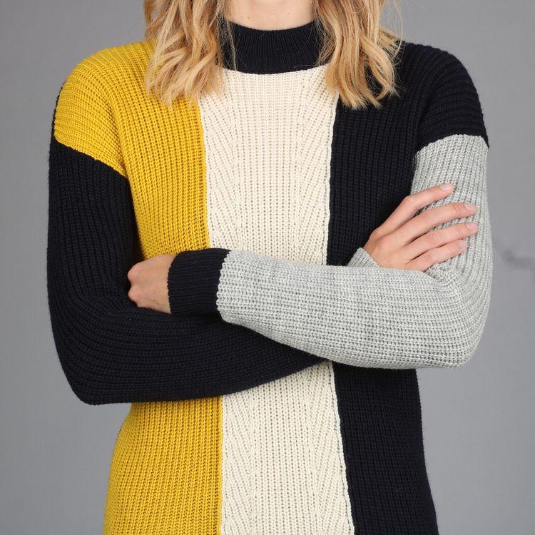 2021秋冬新款圆领山羊绒毛衣女宽松针织拼色加厚打底衫